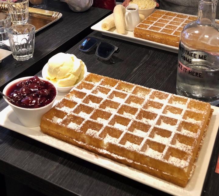 best waffle, best belgian waffle, best waffle bruges