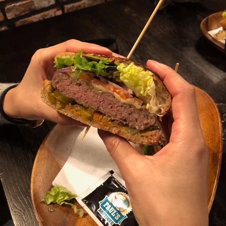best burger bruges, must eat bruges, must have bruges